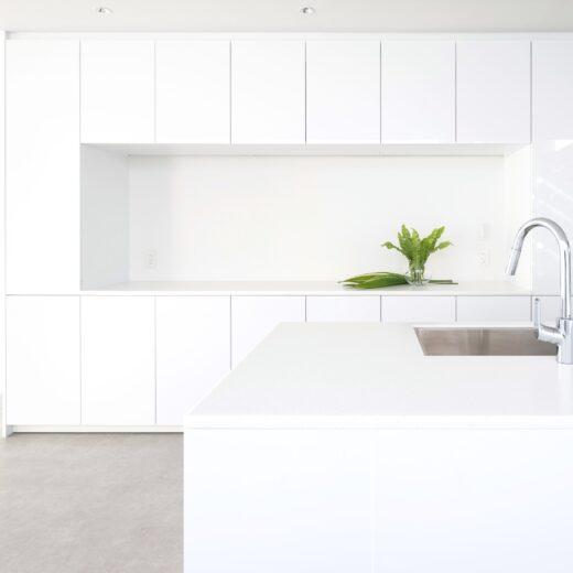 施工例:渋谷区の賃貸マンション|白を基調とした清潔感のある開放的な空間を演出
